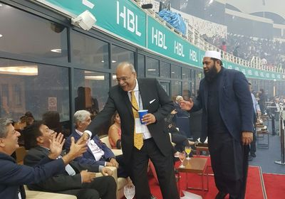 Former President of Pakistan, Musharraf shaking hands with Najam Sethi and Inzamam ul Haq